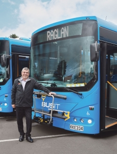 Mayor-Allan-Sanson-Raglan-bus