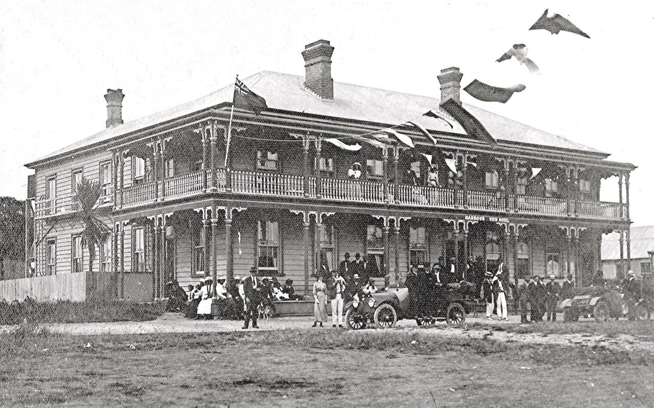1918c-Harbour-View-Celebrations