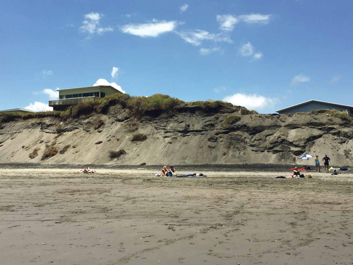 Port-Waikato-beach-erosion