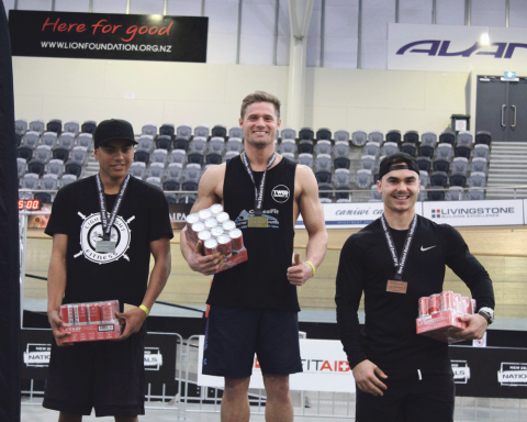 Tawhiri on the left, taking 2nd place.