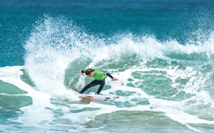 U16 Boys title winner Kora Cooper. I mage: Cory / NZ Surfing Magazine.