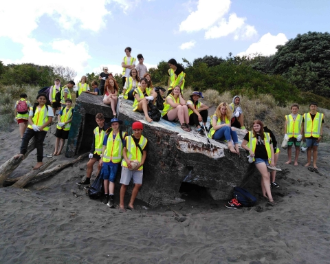 Beach clean-up crew